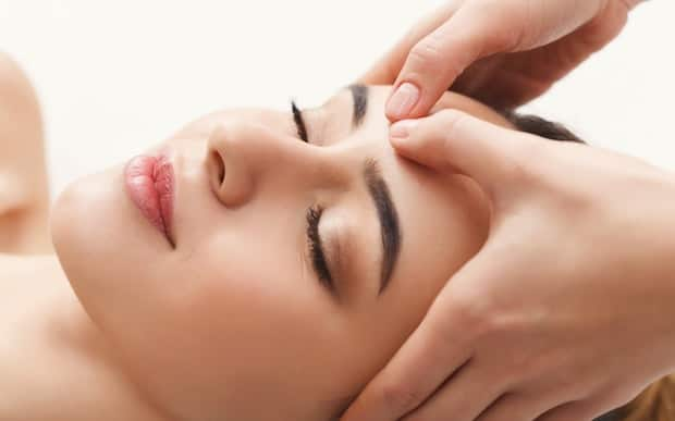 Cách Massage Mặt Đúng Cách